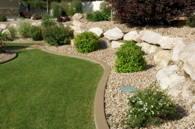 Landscaping Ideas For Small Yard Small Yard Mini Home Tricks,Modern Black And White Interior Design Ideas